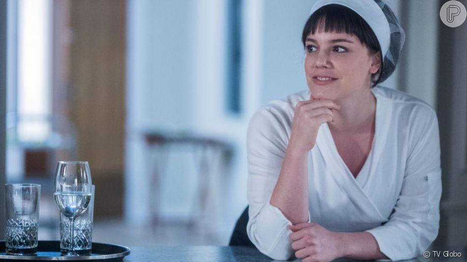 Dalila (Alice Wegmann) invade casamento, faz Laila (Julia Dalavia) de refém e atira em Camila (Anajú Dorigon) na novela 'Órfãos da Terra'