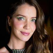 Delineado bicolor: trend foi a escolhida por Nathalia Dill para evento de beleza