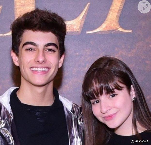 Sophia Valverde usou trecho de música de Sandy e Junior para se declarar ao namorado, Lucas Burgatti: 'Eu só quero estar no teu pensamento'