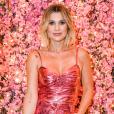 Macacão rosa: look foi escolha de Flávia Alessandra em mês de conscientização sobre o câncer de mama