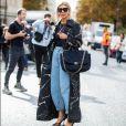 A moda da calça grandpa jeans ganhou adeptas no street style