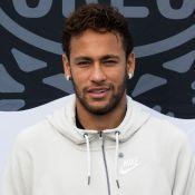 Neymar tampa rosto de Gabigol de quadro em casa e agita web: 'Casos de família'