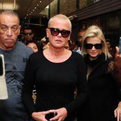 Xuxa, Huck e Angélica atraem fãs ao chegarem ao velório de Jorge Fernando