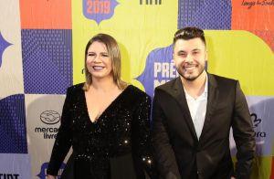Com Murilo Huff, Marília Mendonça usa look grifado e homenageia filho em Prêmio