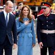 Kate Middleton tem o azul como uma de suas cores favoritas no closet