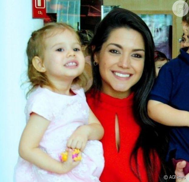 Looks combinados: Thais Fersoza e filha usam roupas com mesma estampa nesta quarta-feira, dia 13 de novembro de 2019