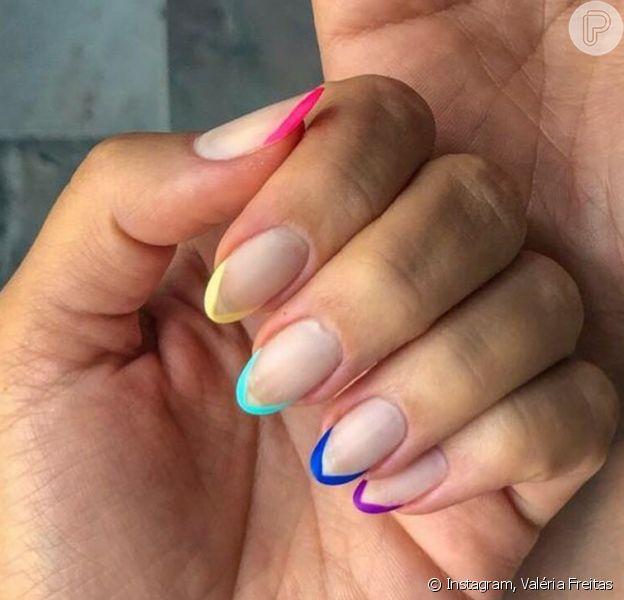 Unha no verão: francesinha colorida e mais tendências de nail art para apostar no verão. Inspire-se nessas 14 fotos!