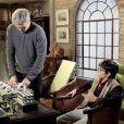 Bento (Davi Campolongo) entrega sua perna mecânica para Pendleton (Dalton Vigh) fazer alterações na novela 'As Aventuras de Poliana'