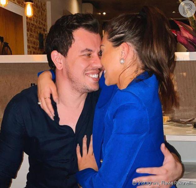 Flavia Pavanelli posta primeira foto com novo namorado, Junior Mendonza, em seu Instagram