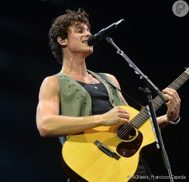 Shawn Mendez inicia turnê no Brasil com show em São Paulo e cai durante apresentação