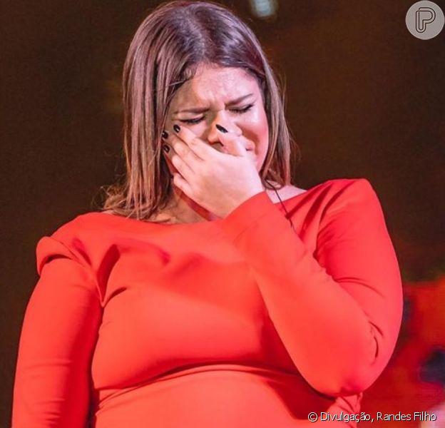 Marília Mendonça chora em último show ao anunciar pausa na carreira para se dedicar ao filho, Léo, neste sábado, dia 30 de novembro de 2019
