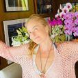 Angélica agradece buquês de flores recebidos em seu aniversário de 46 anos, em 1º de dezembro de 2019