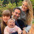 Cesar Tralli brincou sobre o crescimento da filha, Manuella, de 4 meses: 'É muito amor envolvido...E cada dia mais peso pra eu carregar'