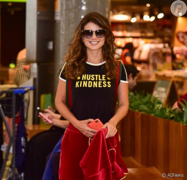 Paula Fernandes foi fotografada no Aeroporto de Congonhas, em São Paulo, nesta quinta-feira, 5 de dezembro de 2019