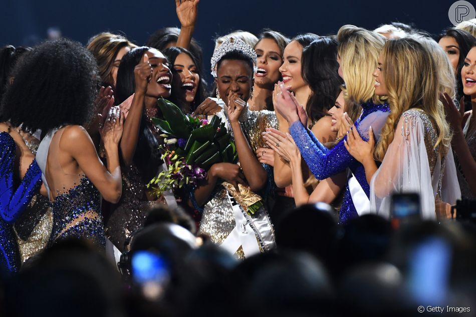 Miss Universo: Miss África do Sul Zozibini Tunzi chora ao ganhar o programa neste domingo, dia 08 de dezembro de 2019