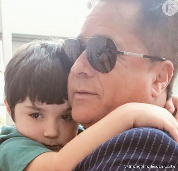 Jéssica Costa mostrou reencontro do filho com avô, o cantor Leonardo, neste domingo, 15 de dezembro de 2019