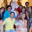 Sabrina Sato reuniu a família para o Natal e recebeu a visita de Papai Noel