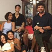 Camila Pitanga reúne ex-marido e namorada em comemoração de família. Fotos!