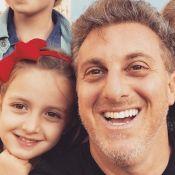 Filha de Angélica e Luciano Huck encanta o pai com pirueta em praia: 'Estrela'