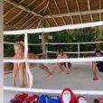 Angélica treina muay thai com o filho, Joaquim