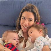 Patricia Abravanel dá colo para filhos e web repara: 'A cara da Wanessa Camargo'