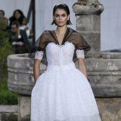 Poesia e nostalgia: Chanel sugere uma volta às aulas com glamour em desfile