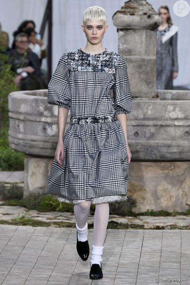 Desfile Chanel de alta-costura: xadrez é tendência