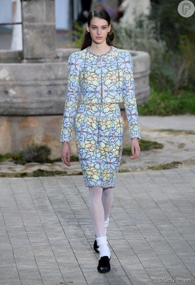 Desfile Chanel de alta-costura: estampa de vitrais é inpiração da marca