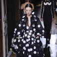 Vestido com estampa de poá e volume estão entre as trends da maison Valentino