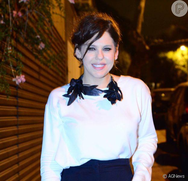 Bárbara Paz dispensou dublê para viver uma suicida em três episódios da série 'Dupla Identidade'