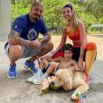 Ex-BBB Aline Gotschalg é casada com Fernando Medeiros, com tem um filho