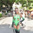 Isabella Santoni  estreou no Carnaval de São Paulo como madrinha do Bloco Coletivo + Missa Sáturnalia