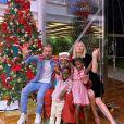 Giovanna Ewbank e Bruno Gagliasso curtem passeio em família com os filhos para assistir a musical infantil neste domingo, dia 16 de fevereiro de 2020