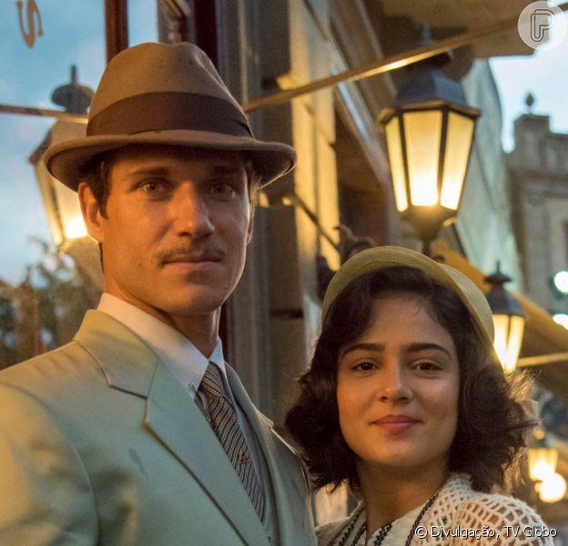 Nos próximos capítulos da novela 'Éramos Seis', Felício (Paulo Rocha) perde tudo para viver seu romance com Isabel (Giullia Buscacio)