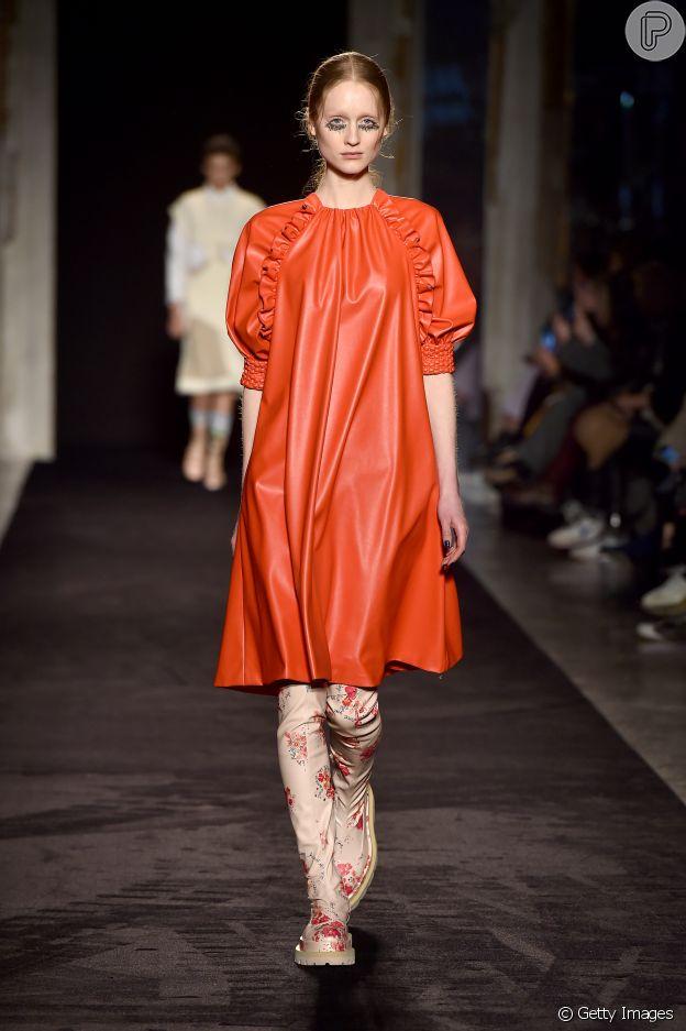 Galocha com estampa floral apareceu no Milan Fashion Week