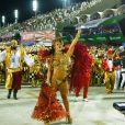 Viviane Araujo, rainha de bateria do Salgueiro, brilha no segundo dia de desfiles do Grupo Especial