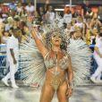 Giovana Angélica é rainha de bateria da Mocidade, escola que homenageou a cantora Elza Soares no segundo dia de desfiles do Grupo Especial