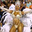 Raíssa de Oliveira, rainha de bateria da Beija-Flor, desfila na Sapucaí 5 meses depois do nascimento do filho