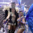 Carnaval de São Paulo: Andrea Capitulino (de azul) é rainha de bateria da Acadêmicos de Tatuapé