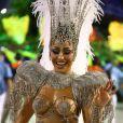 Sabrina Sato, rainha da Escola da Vila Isabel, parabenizou sua substituta, Aline Riscado, após o desfile