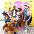 Convidados famosos de Anitta escolheram looks cheios de personalidade para o Bloco das Poderosas