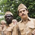Na novela 'Éramos Seis', Alfredo (Nicolas Prattes) escapou da morte na guerra, mas viu seu amigo Tião (Izak Dahora) perder a vida