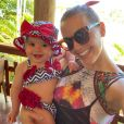 Filha de Thaeme Mariôto, Liz já é dona de uma personalidade forte