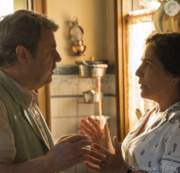 Na novela 'Éramos Seis', Afonso (Cássio Gabus Mendes) descobre volta de Lola (Gloria Pires) e encara a filha, Inês (Carol Macedo)