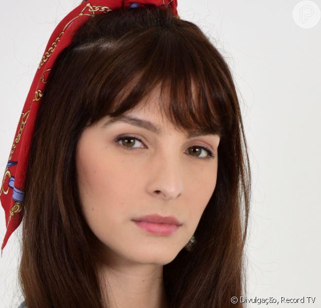 Novela 'Amor Sem Igual', Maria Antônia (Michelle Batista) tenta se matar ao revelar à família que foi abusada