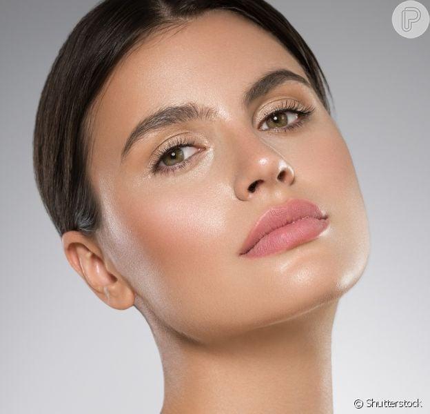 Maquiagem anti-idade: dicas de produtos para dar um efeito mais saudável para a pele