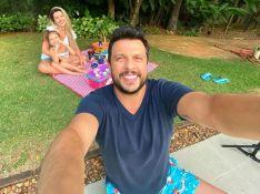 Ceará faz foto com família na quarentena e web nota: 'Valentina é xerox do pai'