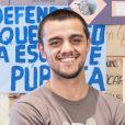 Felipe Simas pode ser visto na reprise de 'Totalmente Demais'