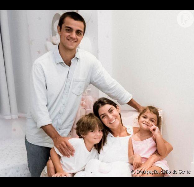 Mulher de Felipe Simas, Mariana Uhlmann reuniu o marido e os três filhos em festa dupla