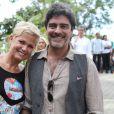 Xuxa Meneghel chegou acompanhada do namorado, Junno Andrade